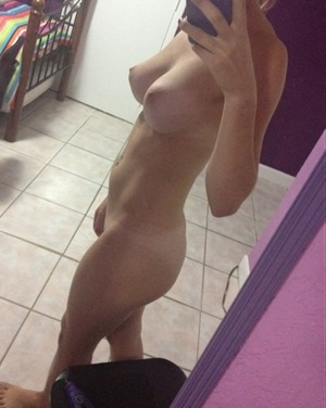 hot milf with a rocking body looking to hookup for sex